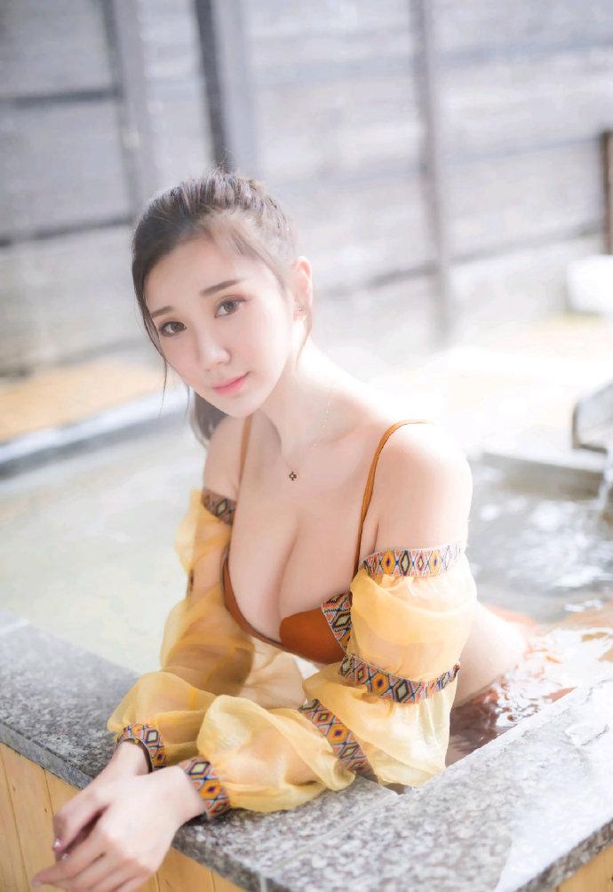 中文声音asmr从此更南征的<夏末的百合花>