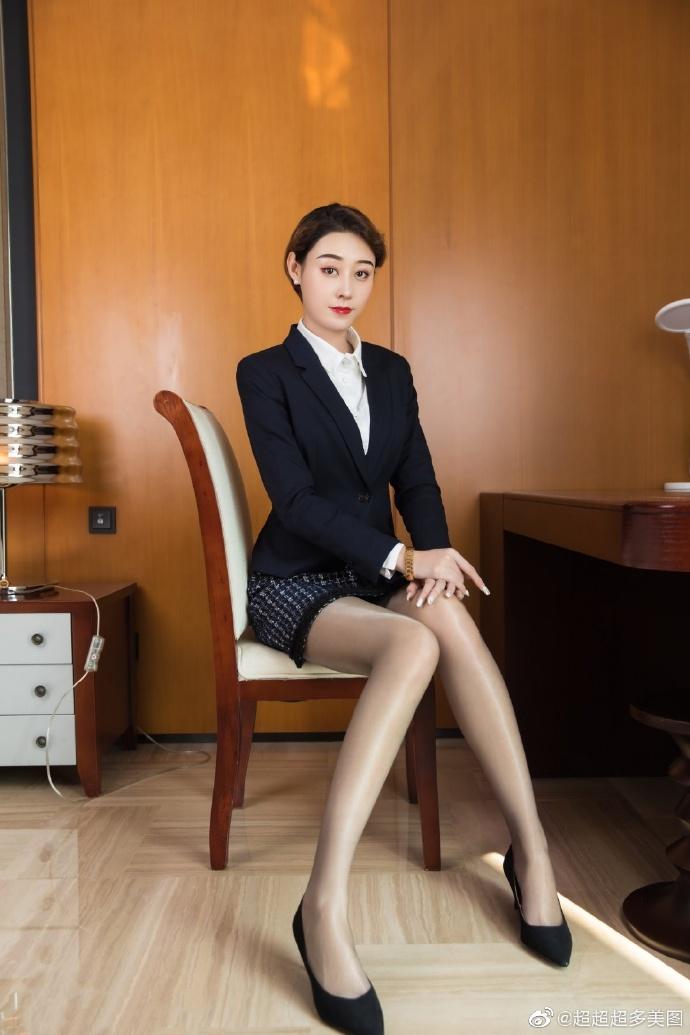 诱耳 - 【教师剧情完结】美女老师变身未婚妻