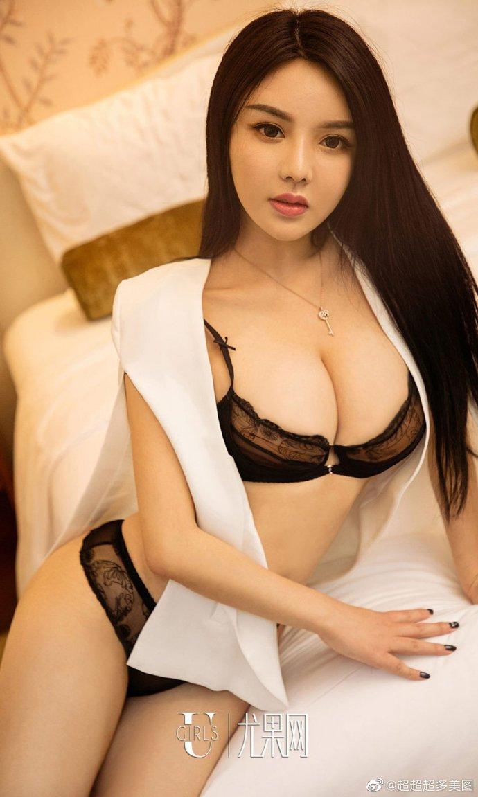 R18中文音声《瞒着女友找女王》