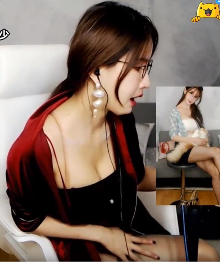 Tongue Flutter 大艺术嘉carrie视频