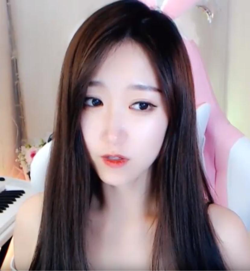 夏喵娜小姐姐 2.1芦荟胶揉耳 耳部深度护理