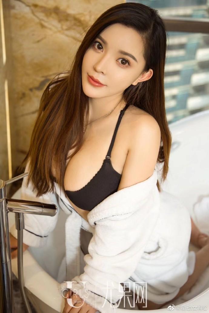 【中文音声】御姐范大姐姐在酒吧主动找你聊天…
