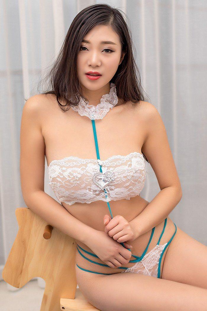 CV爽妹-亲吻口交馆
