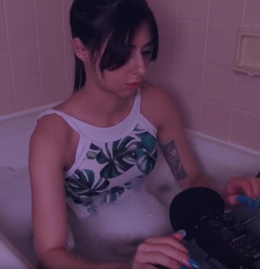 ASMR 沐浴时间 湿水声、泡泡声和肥皂声、耳语 低光睡眠