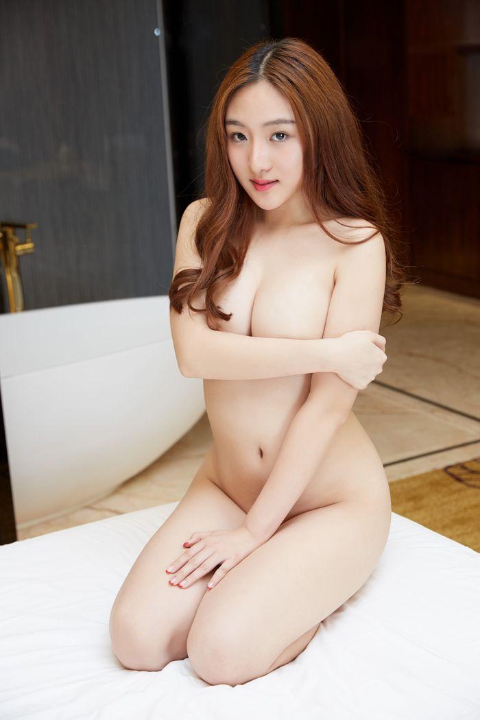 《嫂嫂的美腿 04》NJ:萌小美